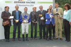 Siegerehrung mit Wim van de Poel, Nadine Verheyen, Stephen Hellyn, Andreas Löwe, E. Sauren. Foto Gabriele Suhr
