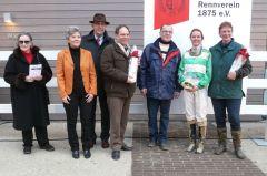 siegerehrung mit Frau Helga von Randow, Frau Sieberts, Präsident Jan Vogel, Reiterin Jeanette Verheyden und Besitzertrainerin M. Berrevoets-Uivel (Foto Suhr)
