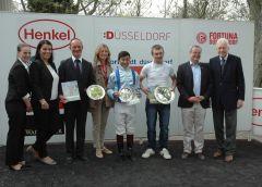 Siegerehrung mit Sascha Smrczeck, Bayarsaikhan Ganbat, Peter M. Endres. Foto Gabriele Suhr