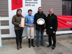 Trainerin N. Verheyen, J. Erdenebileg, Mitglied Stall Molenhof, Reinhard Ording (Foto: Gabriele Suhr)