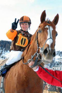 So sehen Sieger aus - Josef Bojko und Atti Darbovens Russian Tango nach dem Großen Preis von St. Moritz. www.swiss-image.ch - Andy Mettler