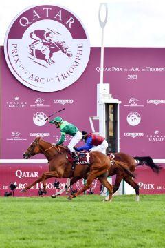 Sottsass beendet seine Karriere mit dem Sieg im Prix de l'Arc de Triomphe gegen In Swoop. www.galoppfoto.de