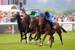 Wittekindshofer Sieg im Hapag Lloyd-Rennen (BBAG Auktionsrennen) durch Sweet Thomas (rechts). Foto: Dr. Jens Fuchs