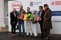 Siegerehrung in Düsseldorf für das Takeda Shingen-Team. Foto: Dr. Jens Fuchs