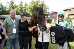 Varicon mit Bauyrzhan Murzabayev und Besitzertrainer Ralph Siegert nach dem Sieg. www.galoppfoto.de - Frank Sorge