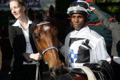 Ein Pferd mit einer bemerkenswerten Geschichte: Altano mit Eduardo Pedroza. www.galoppfoto.de - Frank Sorge