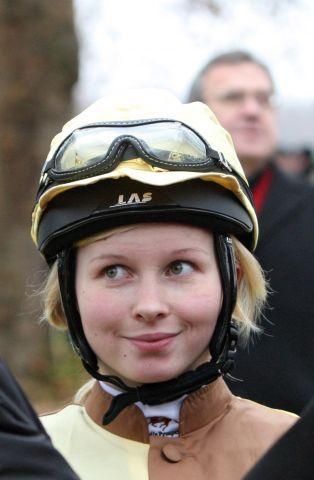 Jana Oppermann (21) übernimmt die Führung in der Championatswertung Foto: www.galoppfoto.de - Frank Sorge