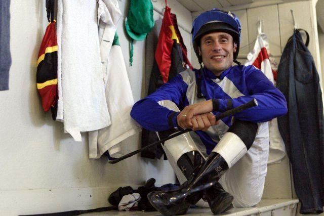 Jockey Alexander Pietsch im Porträt. Foto www.galoppfoto.de