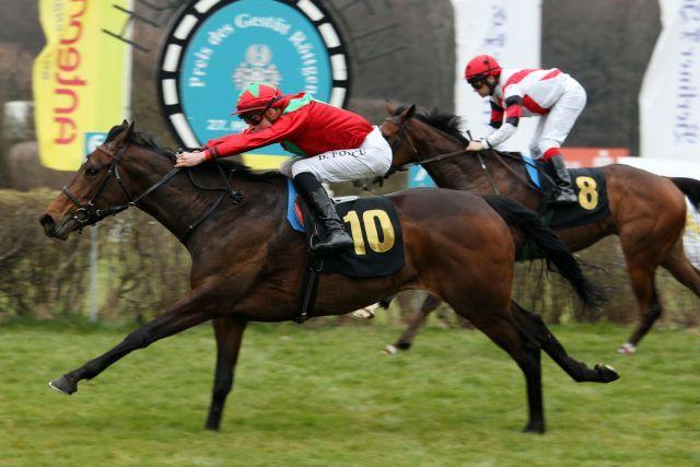 Royal Solitaire gewinnt unter Daniele Porcu den Preis des Gestüt Röttgen und ist die erste Black Type-Siegerin der Saison. www.galoppfoto.de - Francis Bandermann