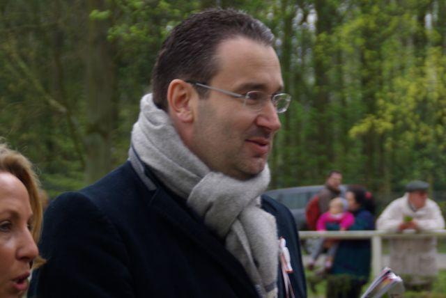 Gregor Baum rettet das Frankfurter Listenrennen, das jetzt in Bremen gelaufen wird. www.dequia.de