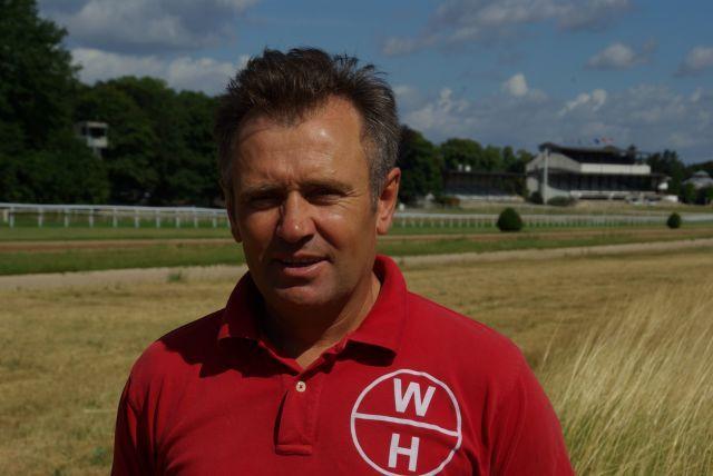 Waldemar Hickst auf der Trainingsbahn in Köln 2010. www.dequia.de