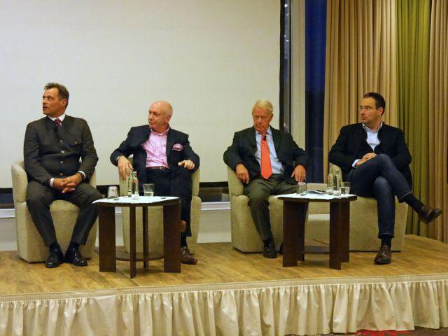 Richtig züchten, aber wie? Peter Rodde, Manfred Ostermann, Hannes K. Gutschow und Gregor Baum bieten Einblicke. Foto: Karina Strübbe