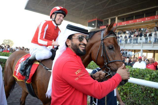Adrie de Vries auf Port Lions mit Trainer Heasham Al Haddad. Foto: Bahrainhorseracing