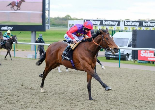 Convey holt sich unter Ryan Moore das Easter Classic in Lingfield. Foto: offiziell