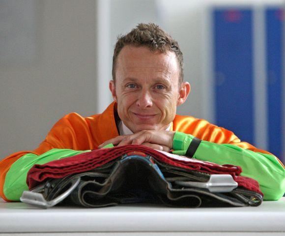 Gehört jetzt mit ebensoviel Siegen zum exklusiven 'Club 1000' - Jockey Andre Best. www.galoppfoto.de - Frank Sorge
