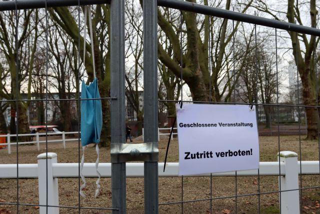 Wer da beruflich zu tun hat, darf rein - Anschlag letzten Sonntag in Dortmund. www.galoppfoto.de - Stephanie Gruttmann