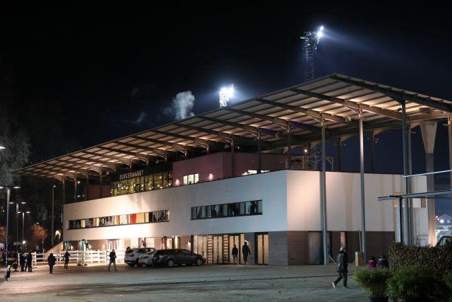 Der erste Renntag des Jahres geht am Neusser Hessentor über die Bühne. Foto: Dr. Jens Fuchs