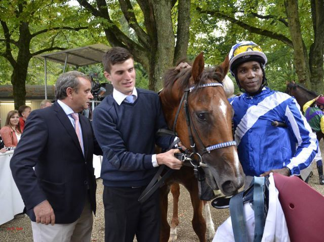 2yo-talent - Jaber Abdullah's Noor Al Hawa with trainer Andreas Wöhler and Eduardo Pedorza. ©Gabriele Suhr