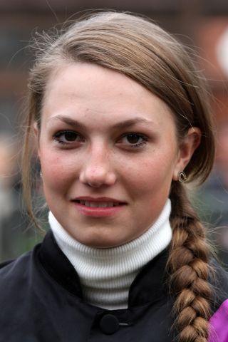 Rennreiterin Nina Wagner im Portrait - in Mülheim landete sie mit Ciocco Sam den 33. Sieg ihrer Karriere. www.galoppfoto.de - Peter Heinzmann