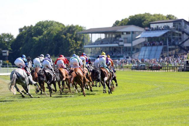 In München-Riem laufen am Sonntag ein Dutzend Pferde in der hochkarätig besetzten Großen Europa-Meile. www.galoppfoto.de - Frank Sorge