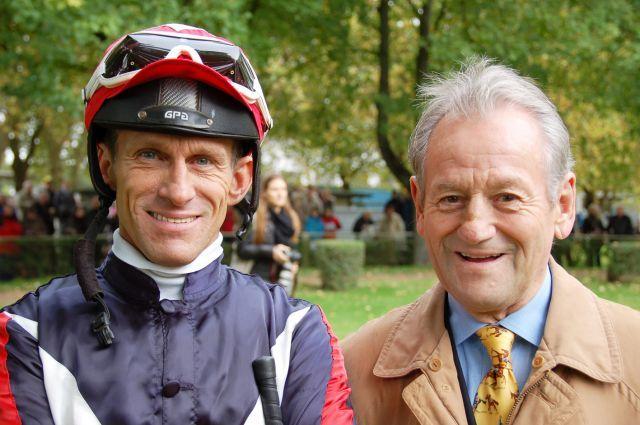 Siegerteam - Terry und Bruce Hellier in Mülheim. www.muelheim-galopp.de - Redaktion MSPW
