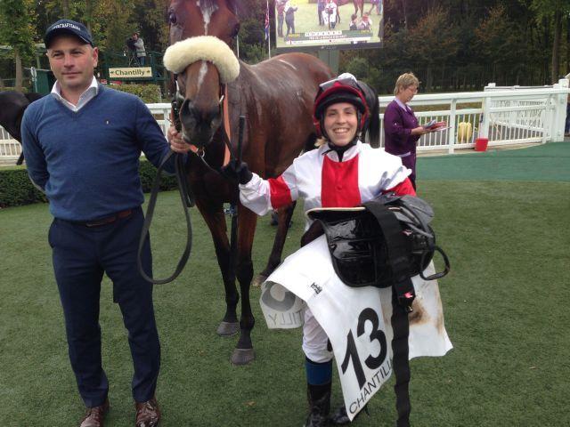 Mit Steffi Hofer gewinnt Gestüt Ittlingens Laura ein Amazonenreiten in Chantilly. Foto: privat