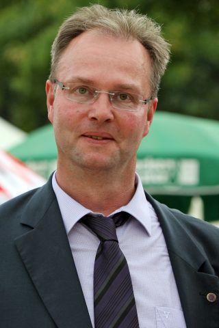 Zufriedener Rennvereins-Präsident: Stephan Ahrens in Bad Harzburg. www.galoppfoto.de