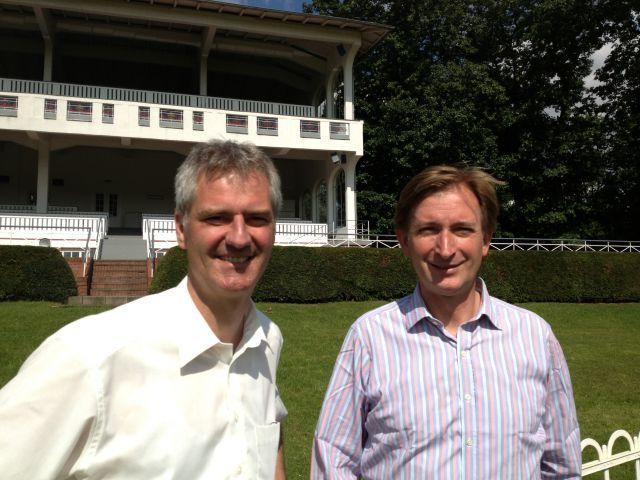 Der neue in Hoppegarten: Stephan Buchner (links) und Eigentümer Gerhard Schöningh. www.hoppegarten.com
