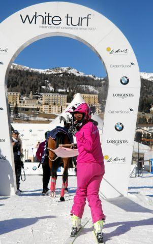 Zweiter Sieg im zweiten Rennen um die CREDIT SUISSE Skikjöring Trophy für Valeria Holinger und die von Peter Schiergen trainierte Usbekia. www.swiss-image.ch - Andy Mettler