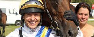 Zwei, die sich verstehen: Andre Best mit For Pro, den er in 36 Rennen geritten hat. www.galoppfoto.de
