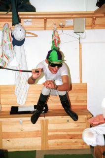 Früh übt sich .... Alexander Pietsch am 08.08.1998 in der Jockeystube in  Dresden. www.galoppfoto.de
