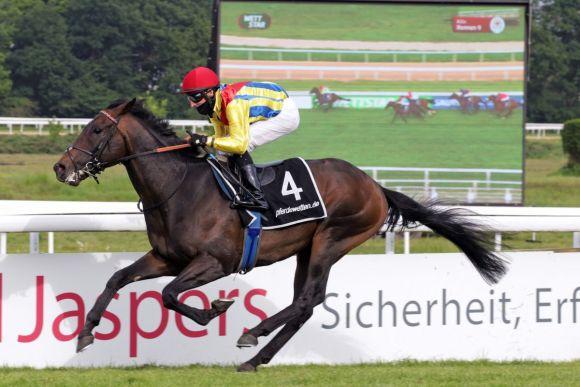 Be My Sheriff hat die Ehre der erste Gruppesieger des Jahres zu sein. www.galoppfoto.de - Sandra Scherning