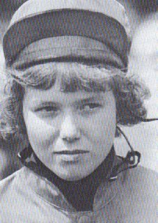 Monika Blaszyk - damals eine 18jährige Amateurreiterin - war mit Varenes (13.) die erste Frau in einem Deutschen Derby.