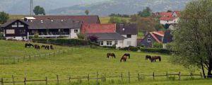 Liegt auf einem Hochplateau im südlichen Odenwald zwischen Darmstadt und Heidelberg