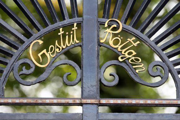 Eingang vom Gestüt Röttgen. www.galoppfoto.de