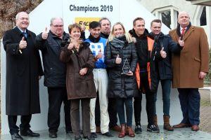 Gruppenfoto der Champions 2019