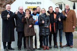 Laura Giesgen (4. v, r.) bei der Championatsehrung 2019 in Dortmund. www.galoppfoto.de - Stephanie Gruttmann