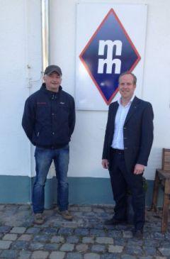 Hardy Hötger und Markus Münch in Frankfurt. www.dequia.de