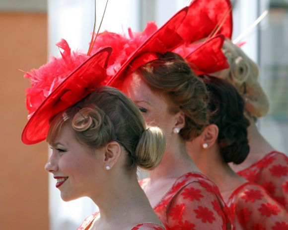 Hutmode beim Audi Ascot-Renntag in Hannover. www.galoppfoto - Frank Sorge
