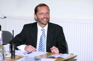 In Hoppegarten half Matthias Barth auch als Zielrichter mit. www.galoppfoto.de - Frank Sorge