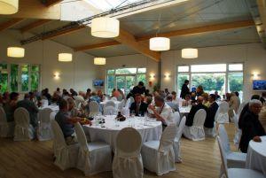 120 Gäste war bei der Eröffnung des neuen Teehauses in Düsseldorf dabei. www.dequia.de