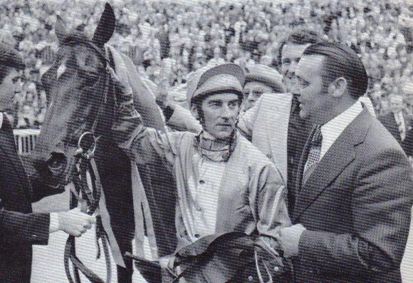 1975 - Trainer Theo Grieper empfängt Star Appeal und Jockey Greville Starkey