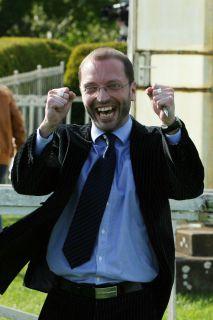 Züchter und Besitzer Matthias Barth freut sich über einen Sieg von Vanjura in Hoppegarten. www.galoppfoto.de - Frank Sorge